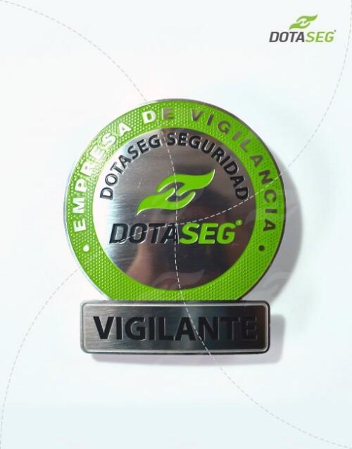 placa-de-vigilante-para-seguridad-y-vigilancia-privada-bogotá-1